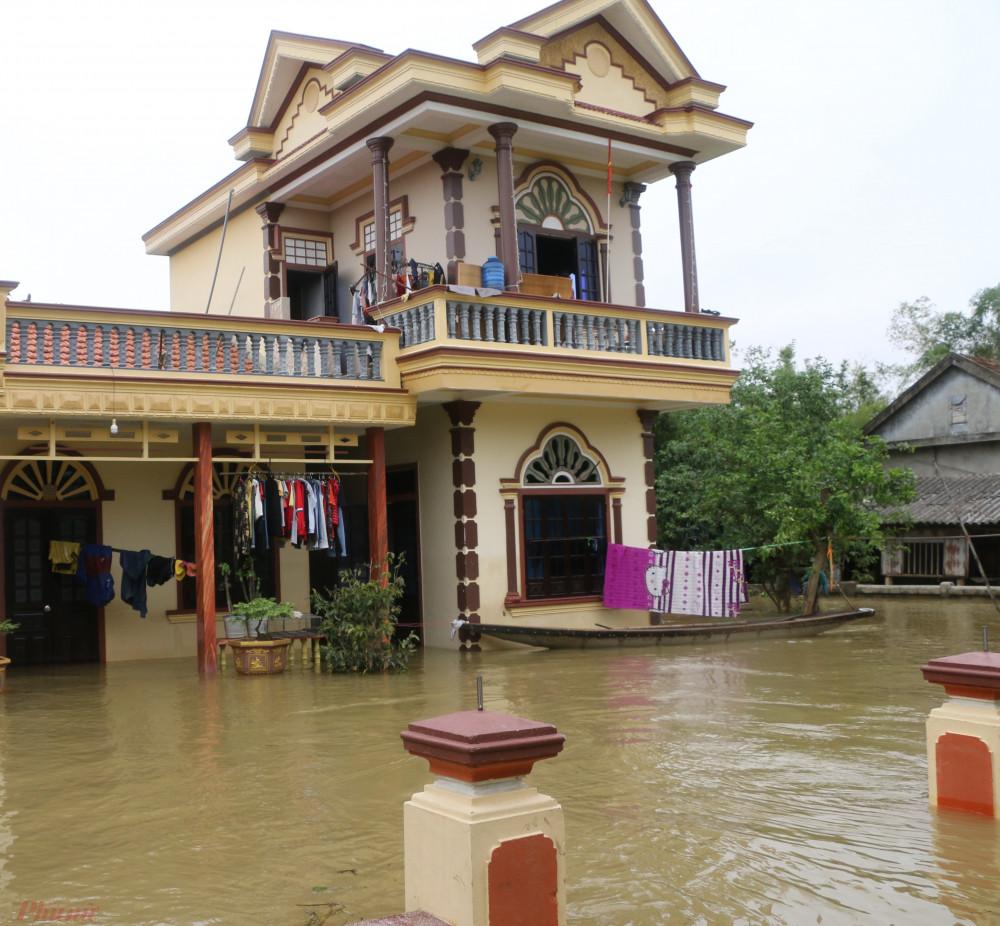 Theo thống kê sơ bộ, đợt lũ kéo dài 12 ngày qua ở xã Hải Phong làm 1 người chết, hai người bị thương. Chưa có thống kê cụ thể thiệt hại về tài sản.