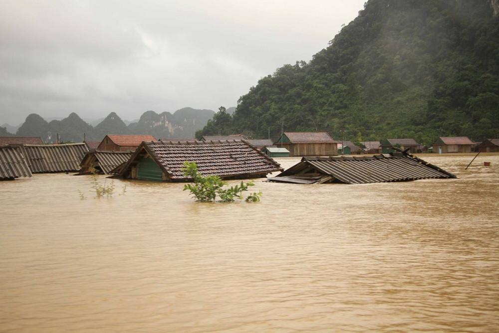 Miền Trung chìm trong mưa lũ nhiều ngày qua - Ảnh: Báo Quảng Bình