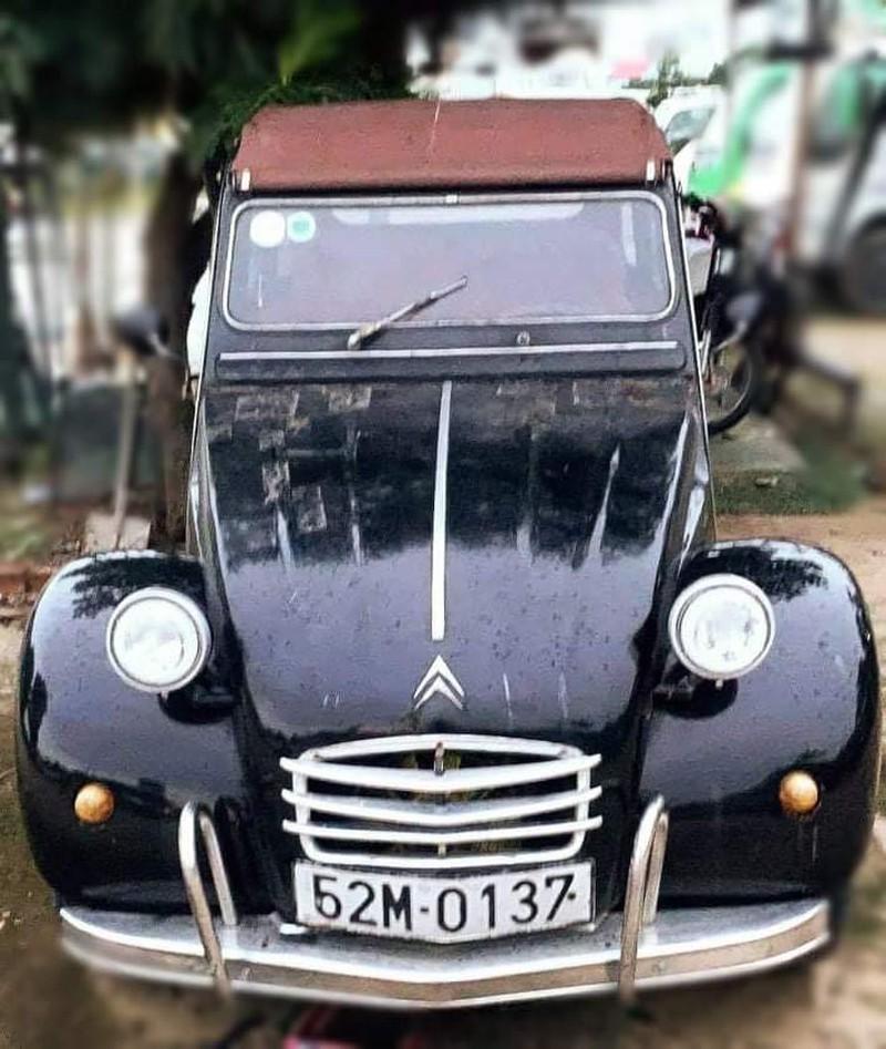 Chiếc xe được NTK Sĩ Hoàng mang ra đấu giá.