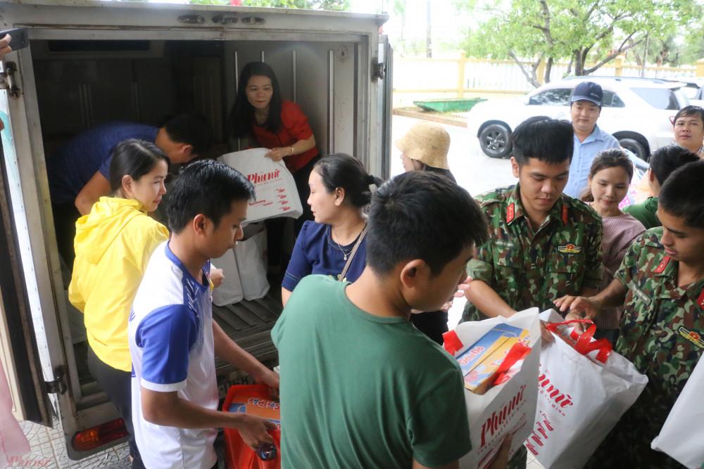 Xã Thanh Thủy, thị xã Hương Thủy là một trong những địa phương bị thiệt hại nặng nề do lũ lụt ở tỉnh Thừa Thiên - Huế. Đợt lũ vừa qua đã khiến hơn 2.700 căn nhà bị ngập, thiệt hại tính sơ bộ đến thời điểm hiện tại khoảng 3,5 tỷ đồng. Đến ngày 20/10, nhiều tuyến đường ở xã này vẫn bị ngập rất nặng.