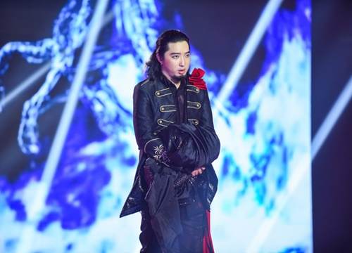 Thí sinh Gizmo bị loại sau phần trình diễn cùng nữ ca sĩ opera Khánh Ngọc.