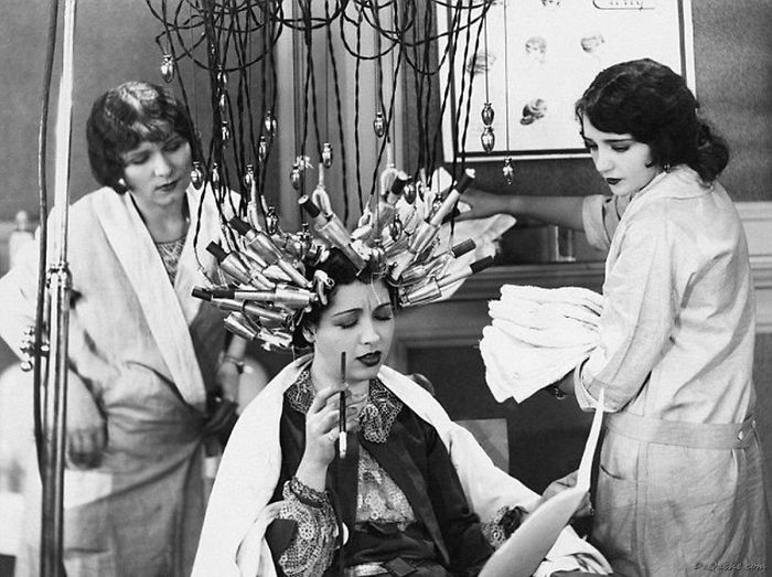 Cách uốn tóc ở Đức năm 1929