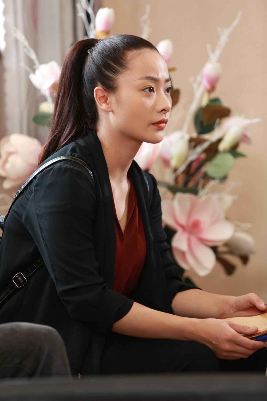Nữ diễn viên Huyền Thạch vào vai Trung úy Nghi - bông hồng duy nhất của đội trọng án K13