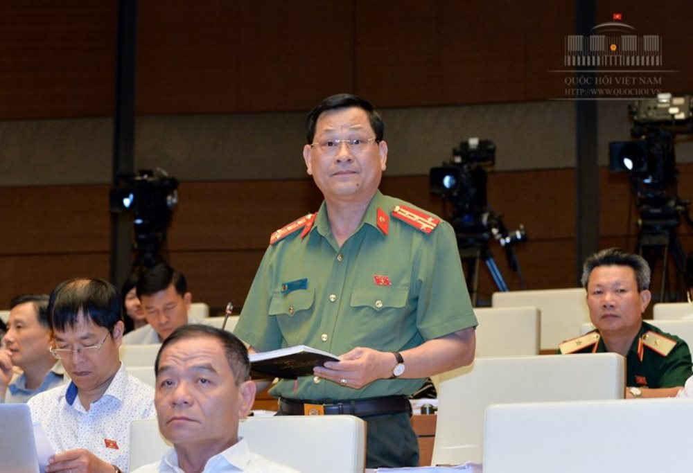 ĐBQH Nguyễn Hữu Cầu cho rằng, không nên tạo điều kiện quá dễ dàng cho