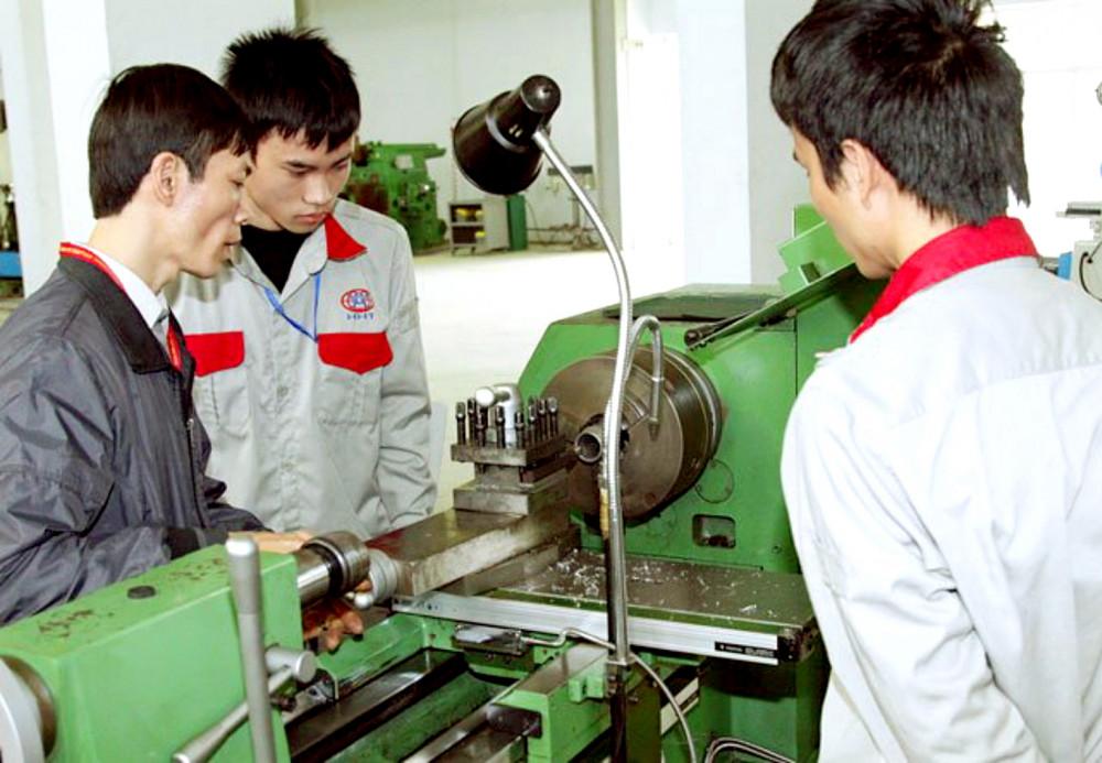 Các cơ sở giáo dục nên tích hợp đào tạo chuyên môn lẫn các kỹ năng mềm