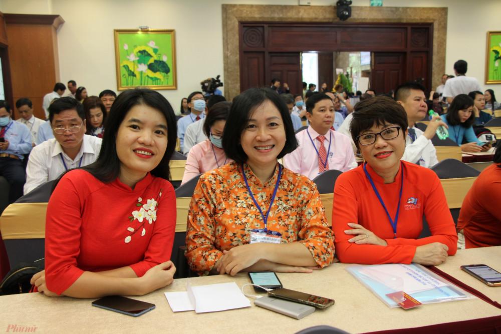 Các đại biểu nữ nhà báo tham dự đại hội
