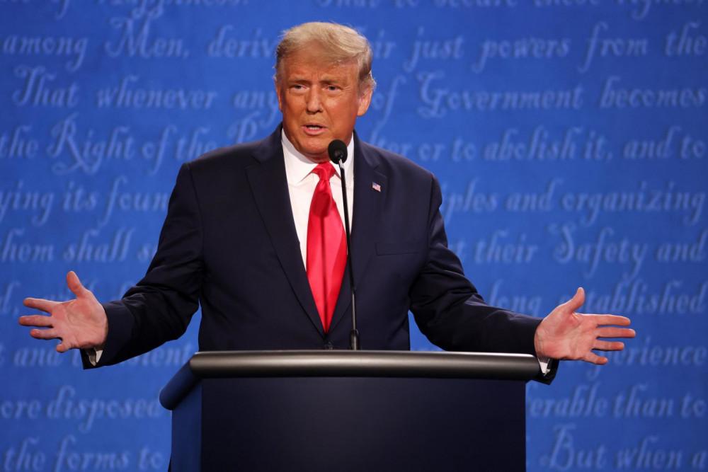 Tổng thống Donald Trump nhận được nhiều lời khen cho sự điềm tĩnh trong cuộc tranh luận lần này.