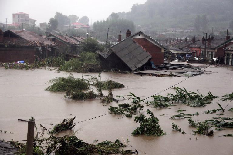 Sắp tới tình hình mưa lũ sẽ còn diễn biến phức tạp nên NHNN đề nghị các tổ chức tín dụng cần vào cuộc hỗ trợ người dân