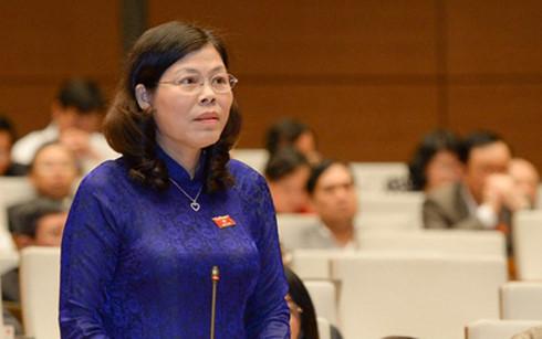 ĐBQH Lê Thị Yến (Phú Thọ) đề nghị có biện pháp thông báo, tư vấn phù hợp trong trường hợp trẻ đi khám tự nguyện, phát hiện HIV