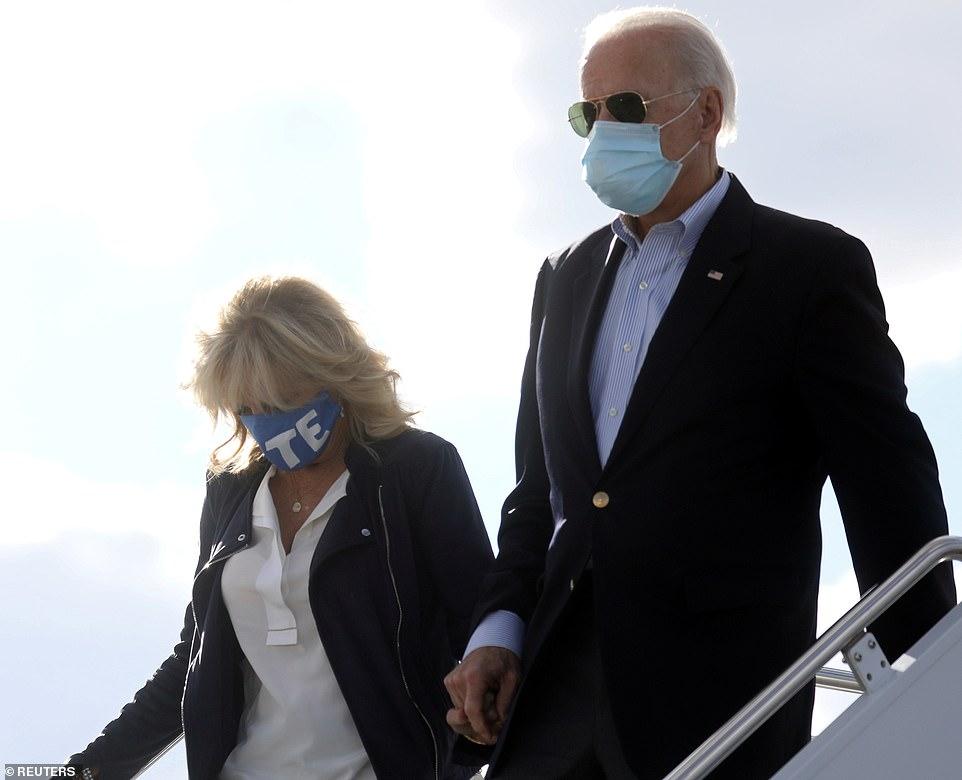 Ông Joe Biden và vợ đến Nashville, Tennessee trước cuộc tranh luận tổng thống
