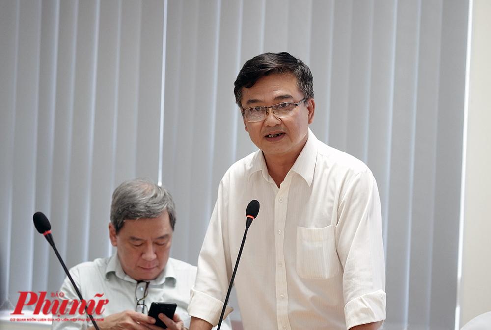 BS. Lê Quốc Hùng – Trưởng khoa Bệnh Nhiệt đới, Bệnh viện Chợ Rẫy