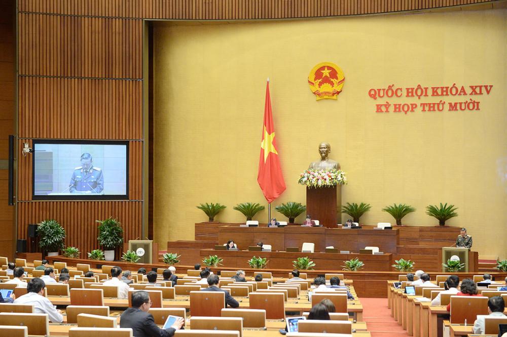 Quốc hội nghe Bộ trưởng Bộ Công an trình bày dự án luật.