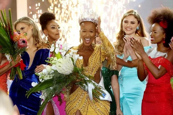 Tối 24/10, chung kết Hoa hậu Nam Phi diễn ra tại khách sạn Table Bay ở Cape Town. Thường niên, đây là một trong những cuộc thi nhan sắc được tổ chức với quy mô lớn. Nhưng năm nay do ảnh hưởng từ dịch COVID-19