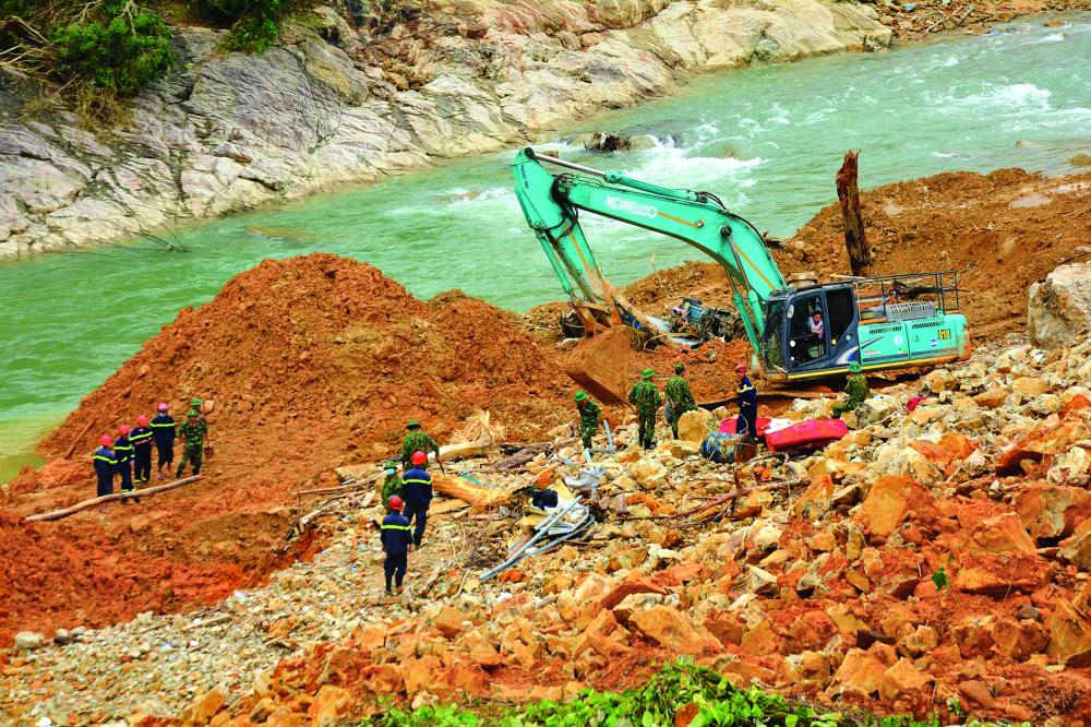 Sạt lở núi nghiêm trọng tại khu vực Thủy điện Rào Trăng 3 ẢNH: THUẬN HÓA
