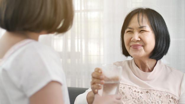 Con dâu nghĩ sinh cháu trai cho bà nội sẽ không còn áp lực nào nữa (ảnh minh họa)
