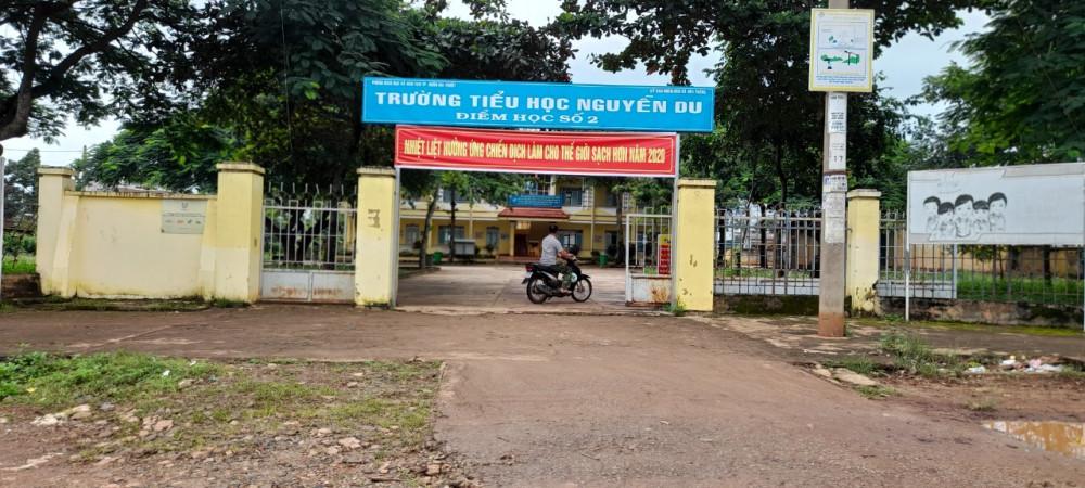 Trường Tiểu học Nguyễn Du - nơi xảy ra sự việc