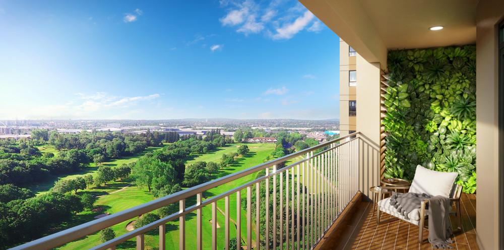 Từ căn hộ Opal Skyline, cư dân có thể chiêm ngưỡng khung cảnh bình yên, bãi cỏ xanh mướt của sân golf Sông Bé