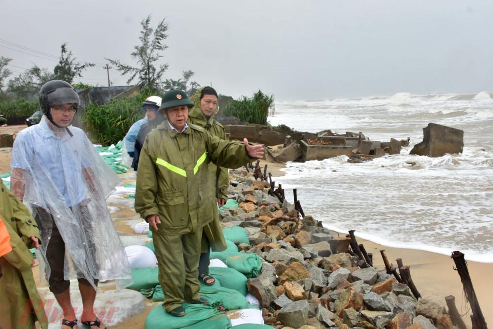 Sạt lở bờ biển tại xã Phú Thuận (Phú Vang) ngày càng nghiêm trọng do triều cường dâng cao