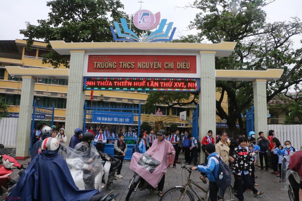 Bắt đầu chiều 27/10 học sinh tại Huế được thông báo cho phép nghỉ học