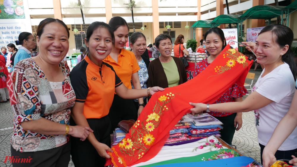 Kết nối - giới thiệu sản phẩm của hội viên phụ nữ khởi sự kinh doanh