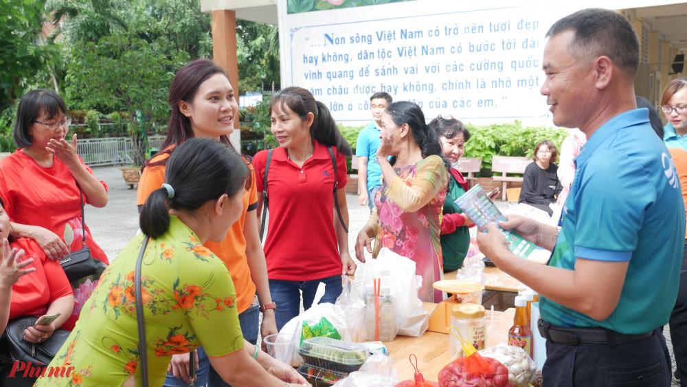 Hội tổ chức ngày hội kết nối - giới thiệu sản phẩm cho nữ doanh nhân