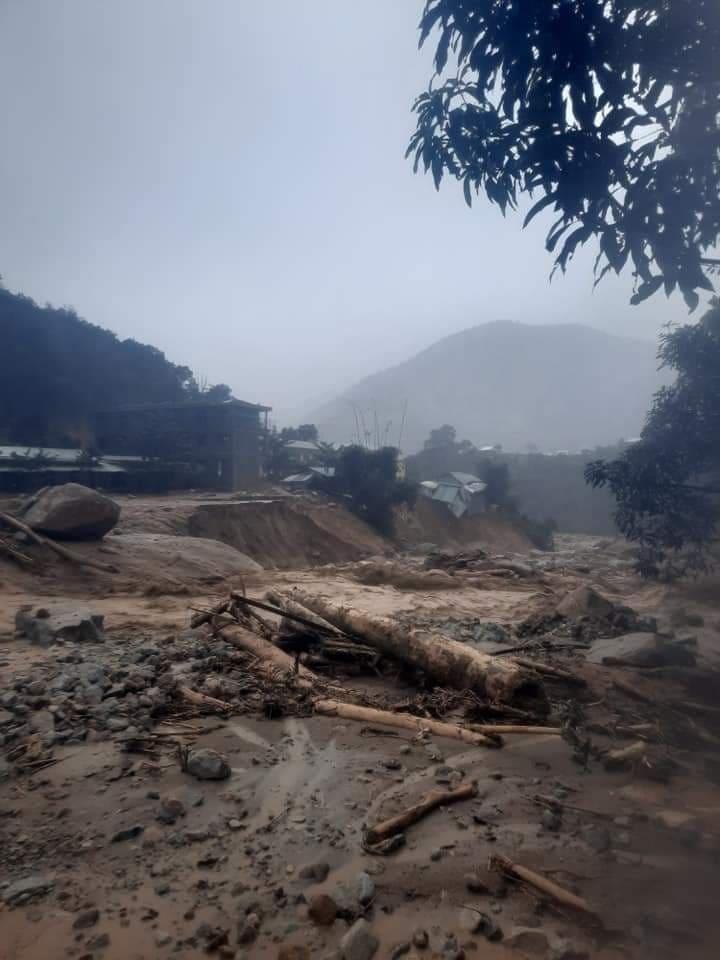 Khu vực sạt lở làm 2 cán bộ xã Phưics Lộc mất tích