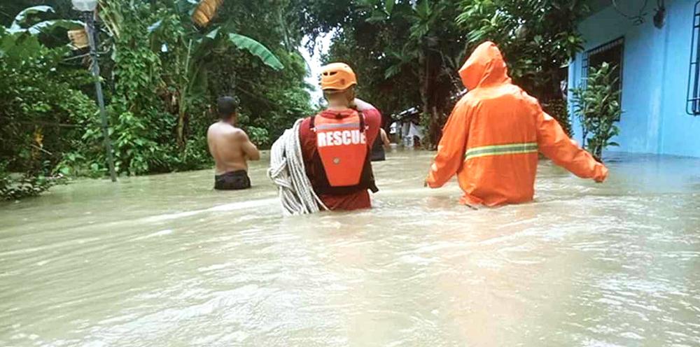 Bão Molave đã gây ngập lụt nghiêm trọng nhiều nơi - ảnh: le martin