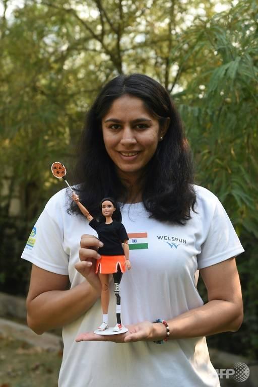 Manasi Joshi và búp bê Baribie dựa trên hình mẫu của cô.