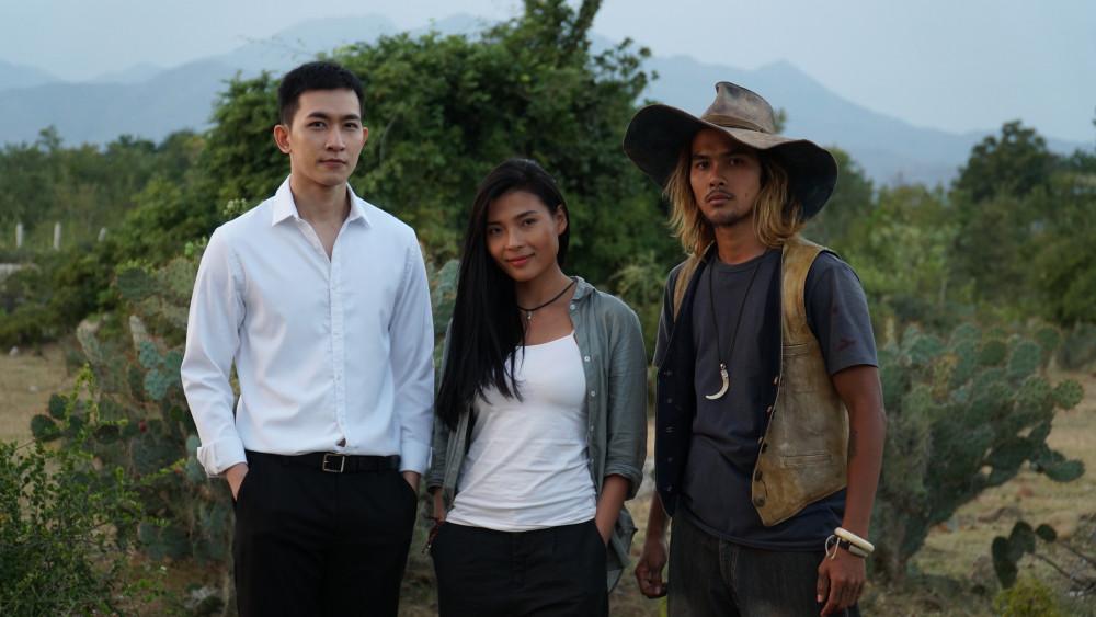 Võ Cảnh, Thuý Diễm, Thanh Tùng trên phim có mối quan hệ phức tạp.