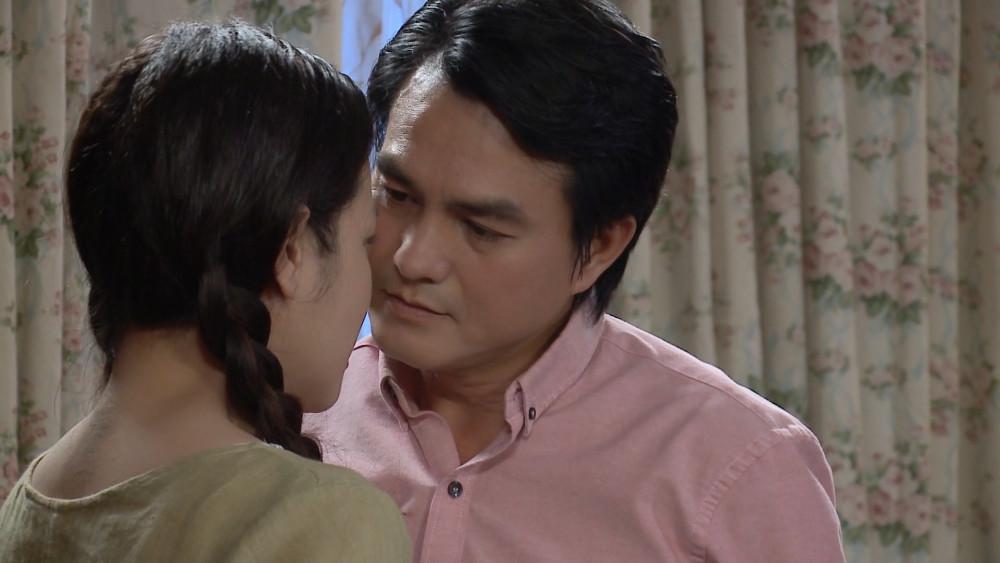 Cao Minh Đạt trong phim Vua bánh mì, ngay từ tập đầu đã ngoại tình với nhân vật do Nhật Kim Anh.