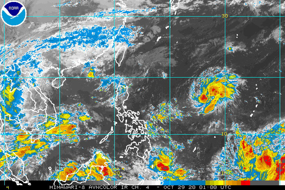 Theo dự báo, bão Goni sẽ vào Biển Đông ngày 1/11 - Ảnh: goes.noaa.gov