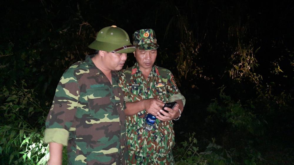 Theo ông Nguyễn Mạnh Hà - Trưởng Ban Nội chính tỉnh ủy Quảng Nam, nếu không thể tiếp cận được bằng đường bộ thì đề xuất dùng trực thăng cứu hộ để thả nhu yếu phẩm cho người dân 3 xã bị cô lập