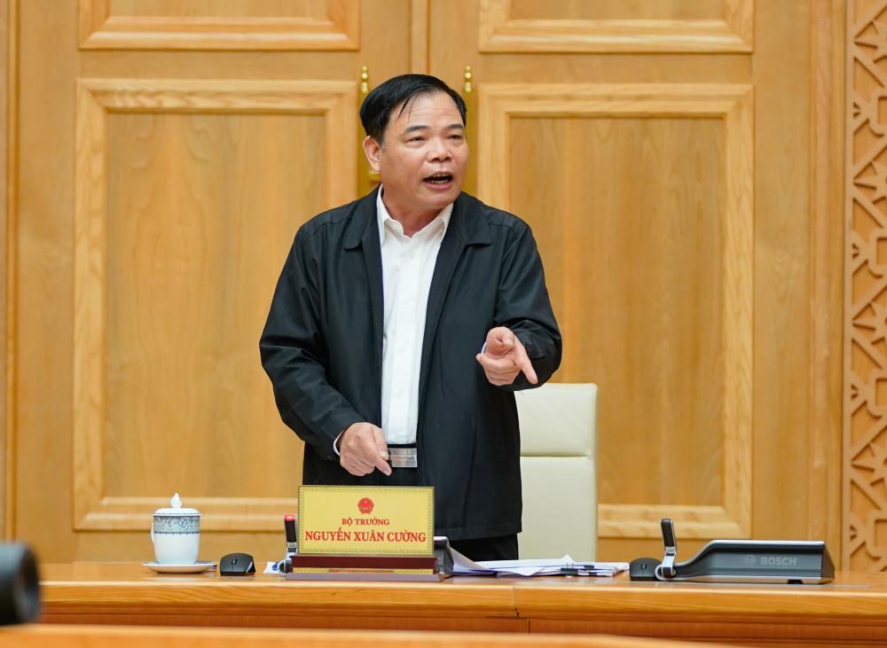 Bộ trưởng Nguyễn Xuân Cường nói, người dân đã rất đồng lòng chống mưa lũ nhưng cơn bão quá mạnh