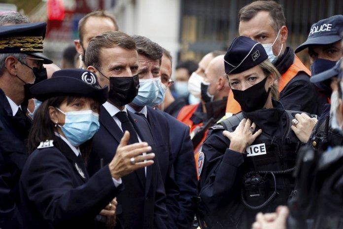 Tổng Pháp Emmanuel Macron có mặt tại Nice ngay sau vụ tấn công.