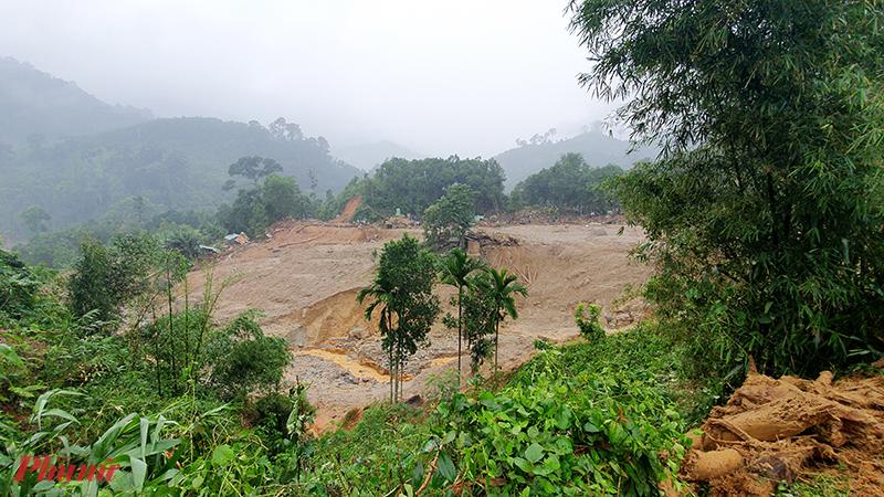 Toàn cảnh 11 nóc nhà ở thôn 1 Trà Leng bị san phẳng