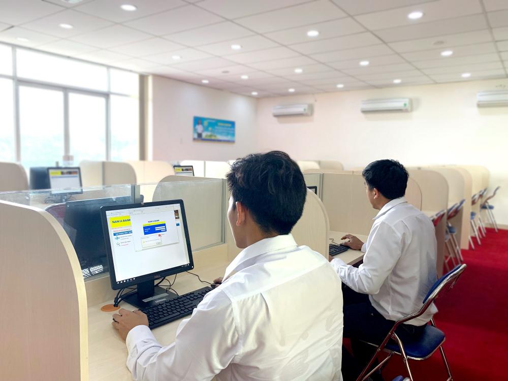 Sinh viên đang 'nhập vai kế toán ngân hàng thực thụ