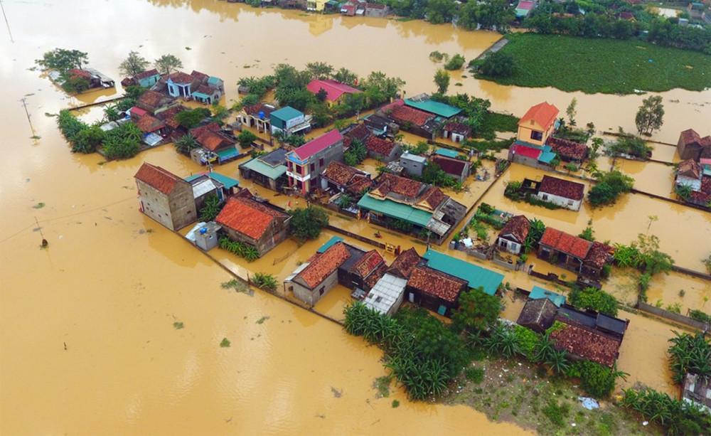 Miền Trung chìm trong mưa lũ nhiều ngày qua