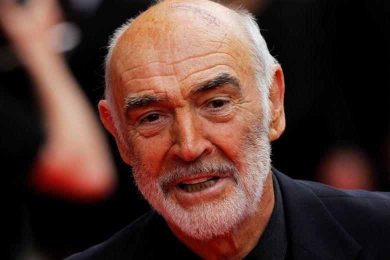 """Huyền thoại """"James Bond"""" Sean Connery qua đời ở tuổi 90."""