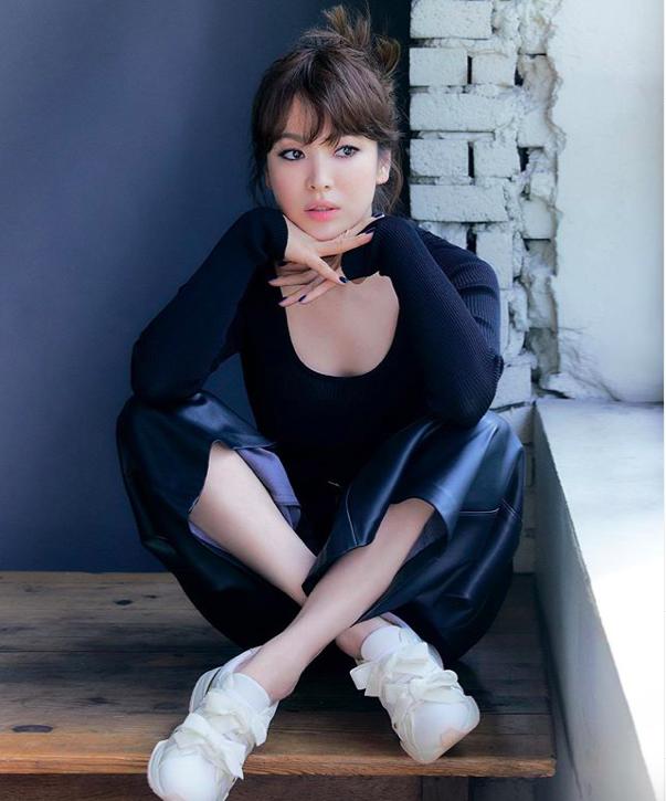 Trở về với hình ảnh năng động, trẻ trung, Song Hye Kyo phối