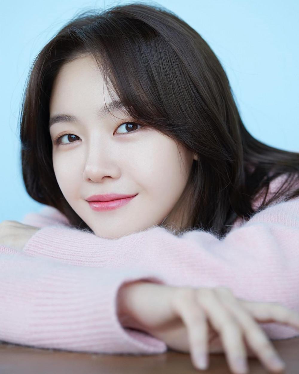Vẻ đẹp trong sáng của cô nàng Min Ah.