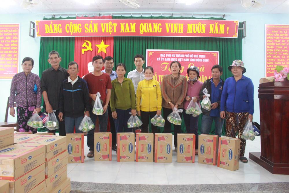 Trao quà hỗ trợ người dân xã An Hòa, huyện An Lão, tỉnh Bình Định
