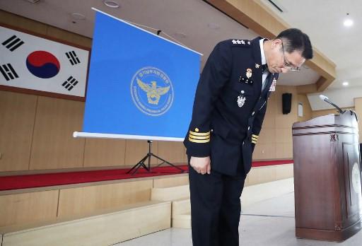 Ông Bae Yong-ju - phụ trách lực lượng cảnh sát đã phải xin lỗi vì những sai sót của trong quá trình điều tra vụ án - Ảnh: