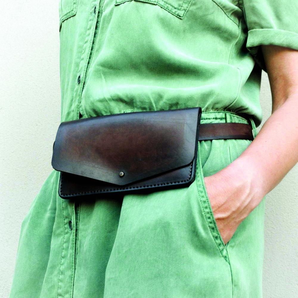 Ngày nay, túi đeo hông lên ngôi không chỉ vì vẻ thời trang, sự tiện dụng mà còn vì tính đa năng