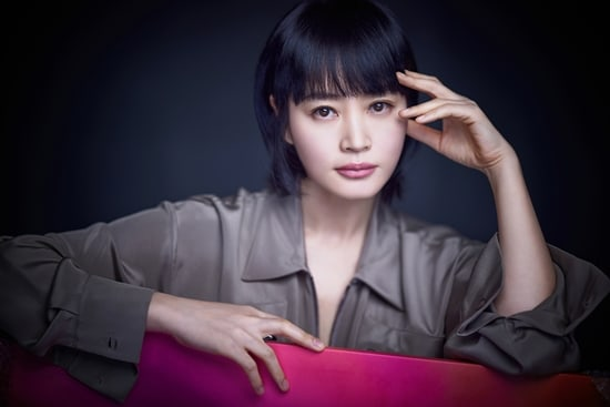 Kim Hye Soo chinh phục khán giả qua loạt tác phẩm: Signal, Hyena, Canh bạc nghiệt ngã.