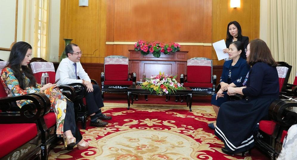 Đại diện Sunshine Group tại buổi làm việc với Ủy ban Mặt trận Tổ quốc Việt Nam. Ảnh: Sunshine Group cung cấp