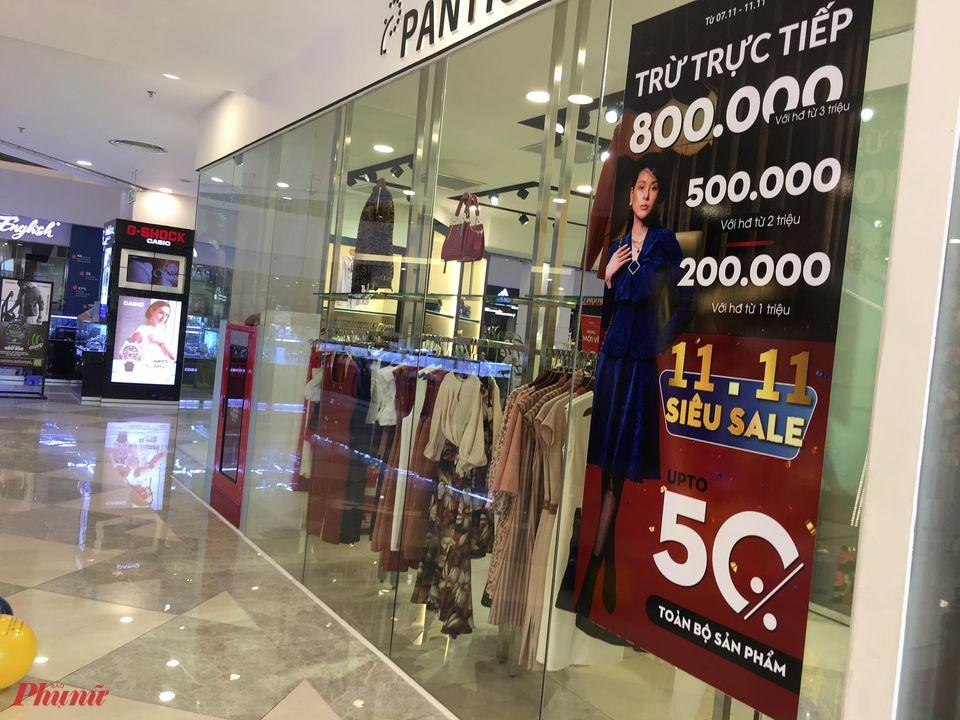 Cửa hàng tung giảm giá 50% dịp Lễ Độc thân 11.1 vẫn không thu hút khách
