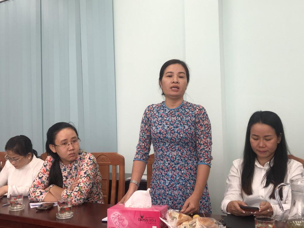 Đại diện Hội liên hiệp Phụ nữ P. Tân Hưng cho biết cơ sở mình sau khi chia theo ô khu vực thì tới 11 ô không có phụ nữ tham gia cấp Uỷ. Ảnh: Thanh Huyền.