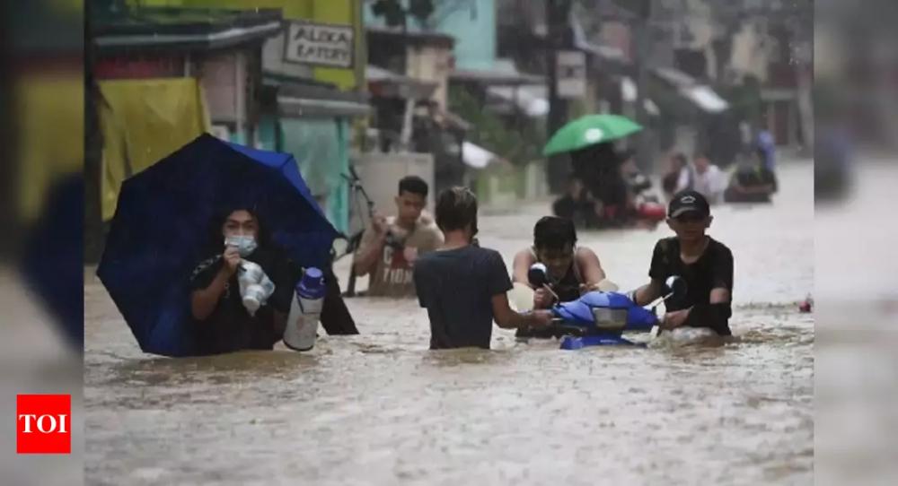 Bão Vamco ở Philippines - Ảnh: Times of India