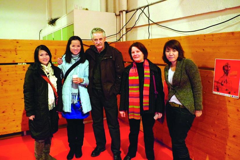 Với chủ tịch của Liên hoan phim Clemont Ferrand (giữa)