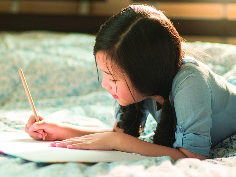 Đừng để trẻ đánh mất tương lai vì… không nhớ nổi bảng chữ cái (Ảnh minh họa: Anurak Pongpatimet/Shutterstock)